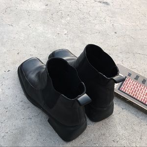90's Chunky Heel Chelsea Boot